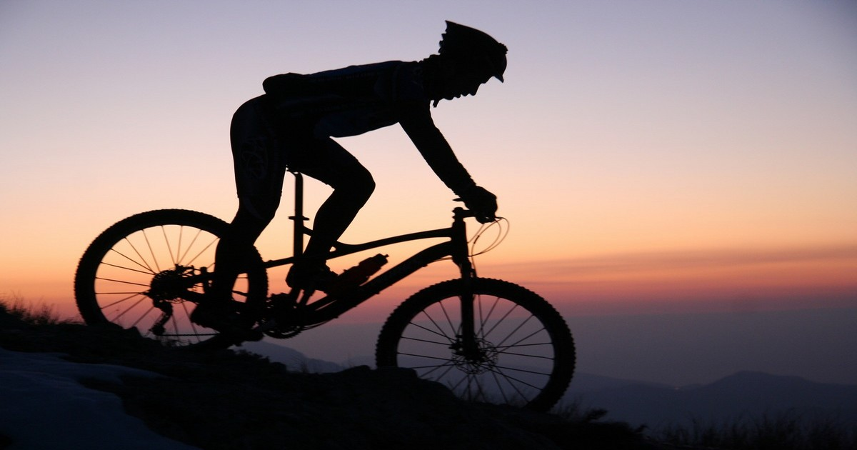 Ombre et cycliste